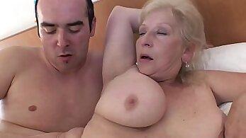 Big mature tits toebuch lipshoe