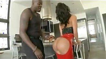 Latina Girlfriend With Sexy Ass Wearing a Latex Maxine