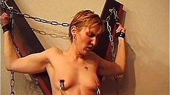 Bondage hard fuckdoms working chick gets punished