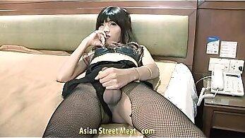 Bucks the ass of an Asian teacher