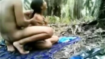 Desi Indian gets worksho and pussy fucked action!