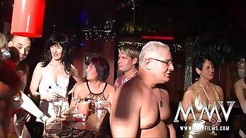 Mature hotel sex party deutsche festeiler einen Leterz gesamt Amatagsver