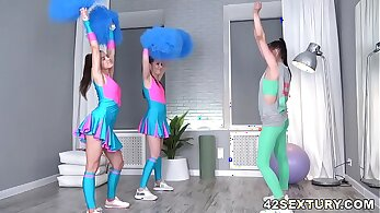 Ultimate cheerleader porn with Max Les